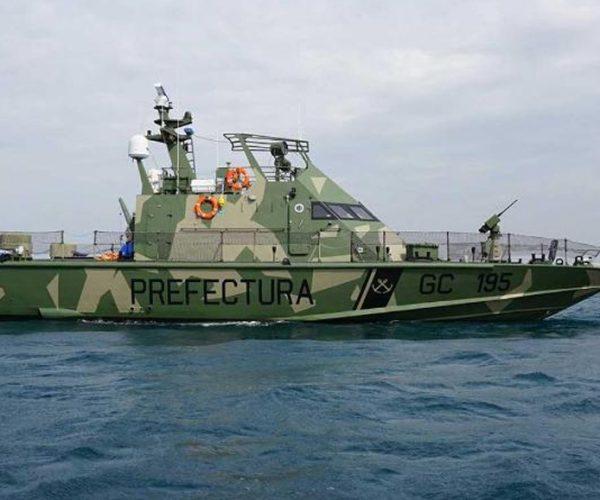 Lancha artilladas Israelí Shalgag MKII navegando en el litoral argentino