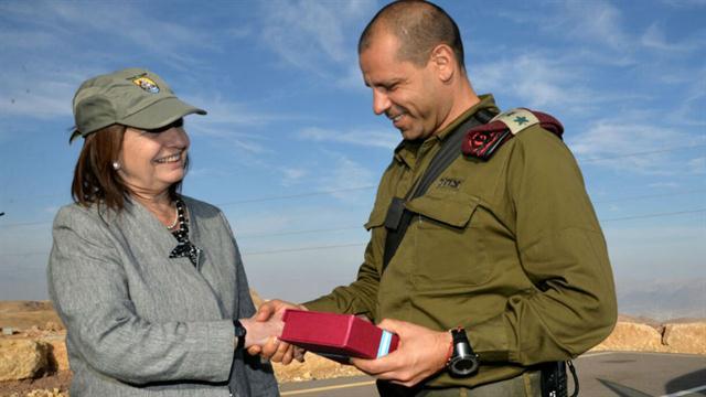 Patricia Bullrich con los altos mandos militares