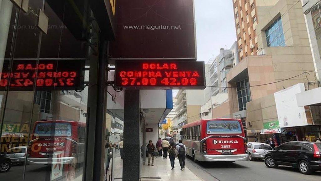 Argentina Dolar - Crisis - Fuente foto web - Data Urgente