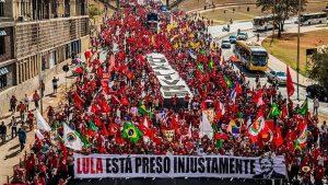 Lula candidato - Elecciones en Brasil - Fuente foto Brasil de Fato - Data Urgente