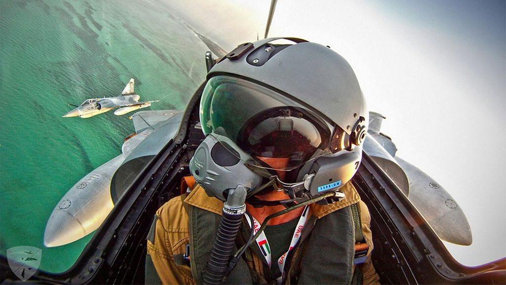 Piloto de jet bombardero - Fuente foto Google - Data Urgente