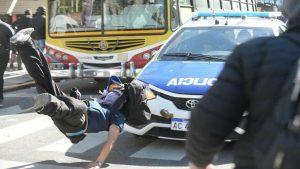 Represión a trabajadores de Astilleros Río Santiago - Buenos Aires - Foto Pablo Gómez de AG La Plata- Data Urgente