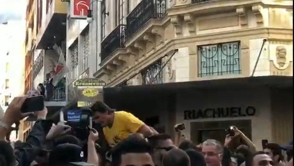 Jair Bolsonaro - Momento de la agresión - Foto fuente Sole Soccol - Data Urgente