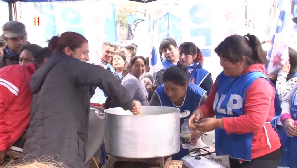 Comedores escolares - populares - Cámara al hombro - Sebastián Salgado - Hispan TV - Data Urgente