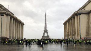 Chalecos amarillos - Francia - Fuente foto twitter - Data Urgente