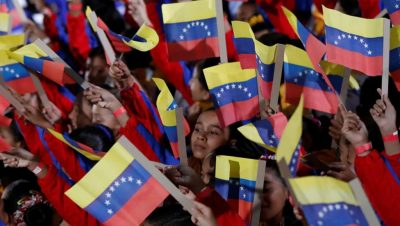Asume Nicolás Maduro
