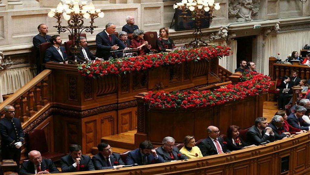 La Asamblea de la República en el aniversario del 25 de abri - Fuente foto web - Data Urgente