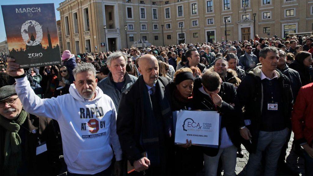 ECA protesta en el Vaticano - Fuente foto web - Data Urgente