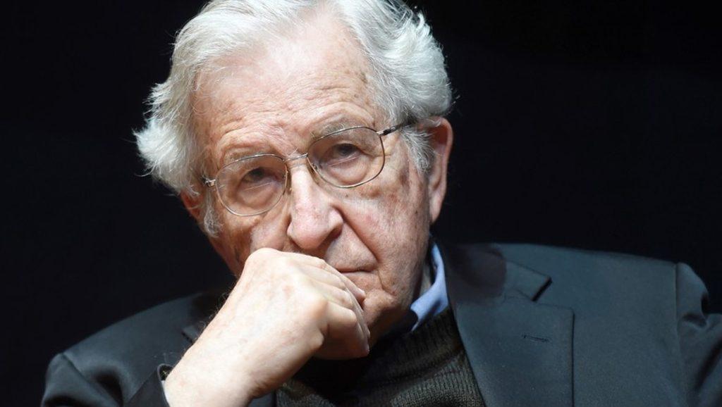 Noam Chomsky - Fuente foto web - Data Urgente