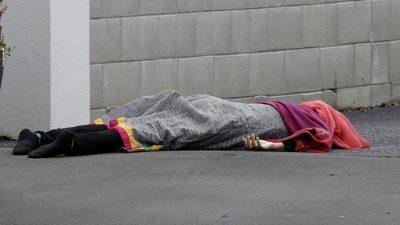 Mujer con vestimenta islámica víctima del atentado.